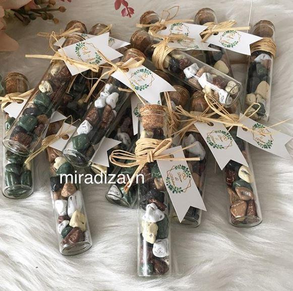 çakıl taşlı çikolata şişesi